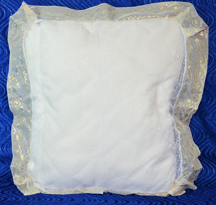 Подушка ритуальная тюль. Р1673