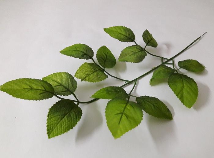 Ветка лист-розы 15 листов Н=45см. В6772