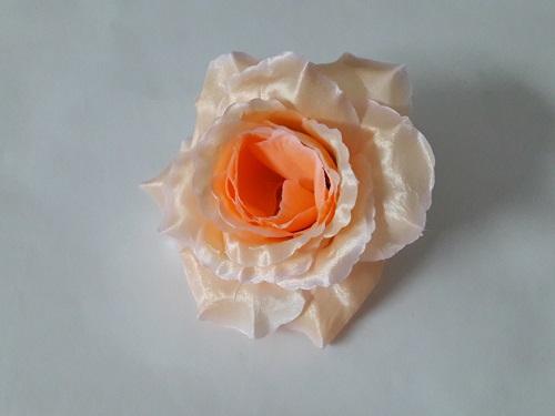 Роза «Красота» атлас d=15см Б/С Г441