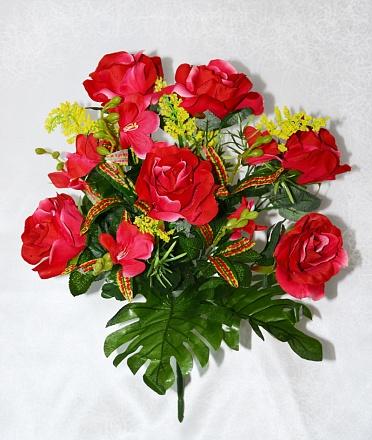 Букет роз бархат с орхидеей в розетке монстеры 18вет.Н=50см  Б207