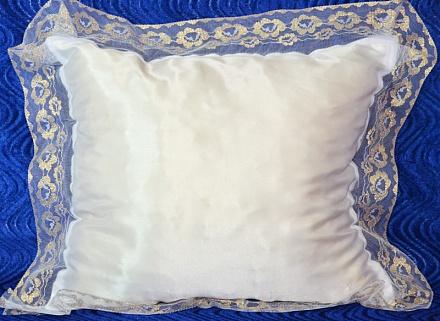 Подушка атлас с кружевом  Р1647